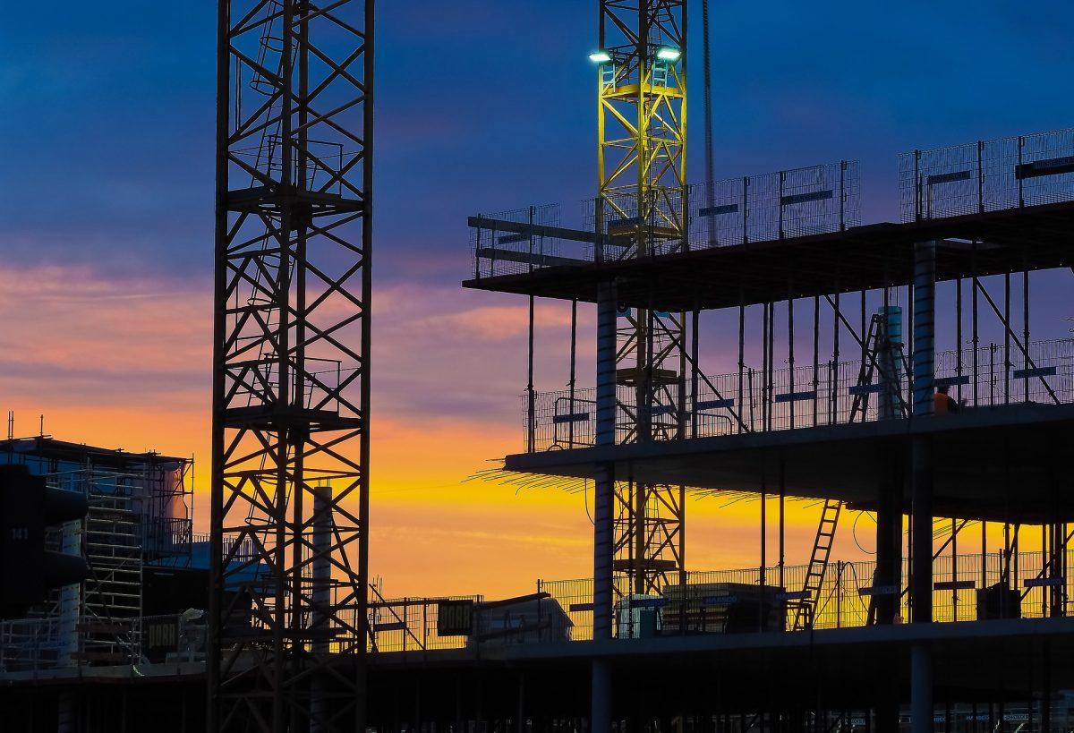 Baurecht: § 642 BGB umfasst nur Mehrkosten, die während des Annahmeverzugs entstanden sind